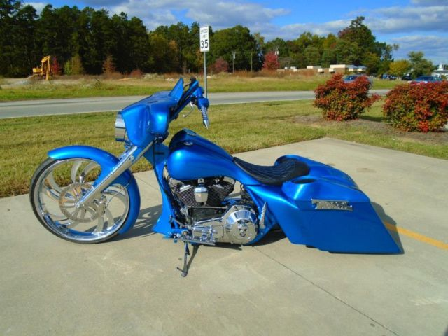 Custom Bagger 26 Inch Wheel Street Glide Road King Harley