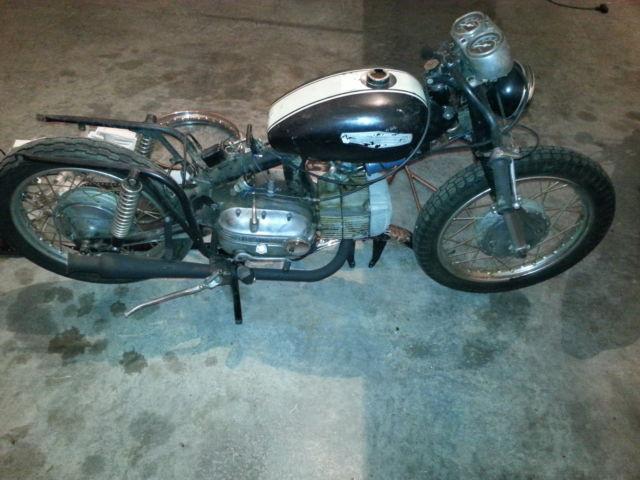 1967 Harley Davidson Aermacchi Sprint SS 250 parts bike