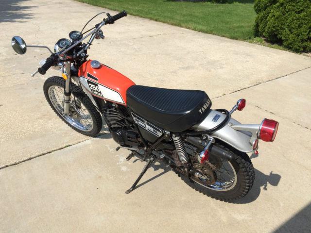 1975 Yamaha DT 250 Enduro Dual Sport 2 stroke Vintage Classic