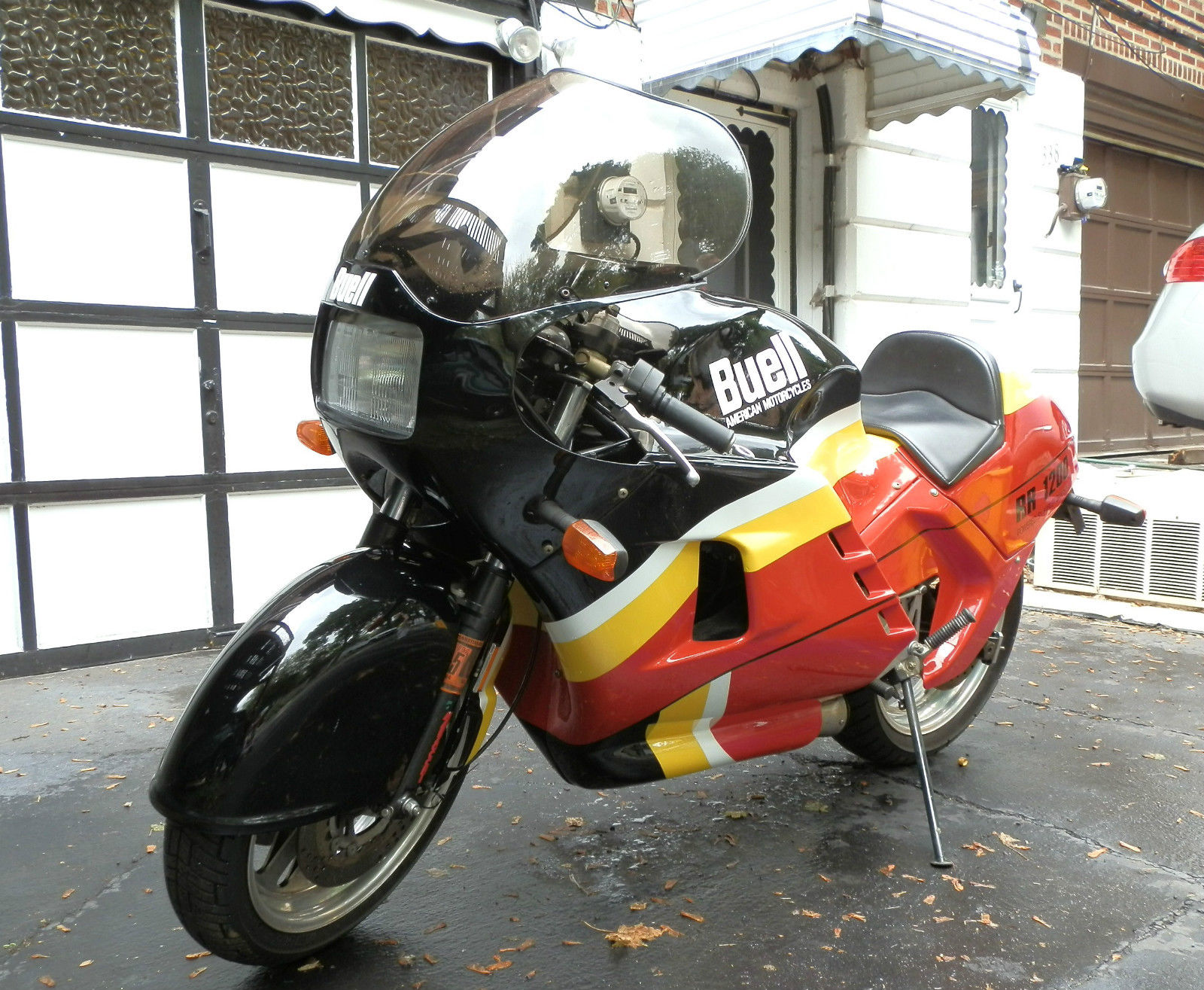 moreover 19682 1989 Buell Rr 1200 Battletwin Very Very Rareone Owner3500 Miles together with Pintores Gallegos Virxilio Blanco Garrido additionally Spectro Primary Oil as well Honda Cbr Fireblade Angry Bird. on buell engine rebuild