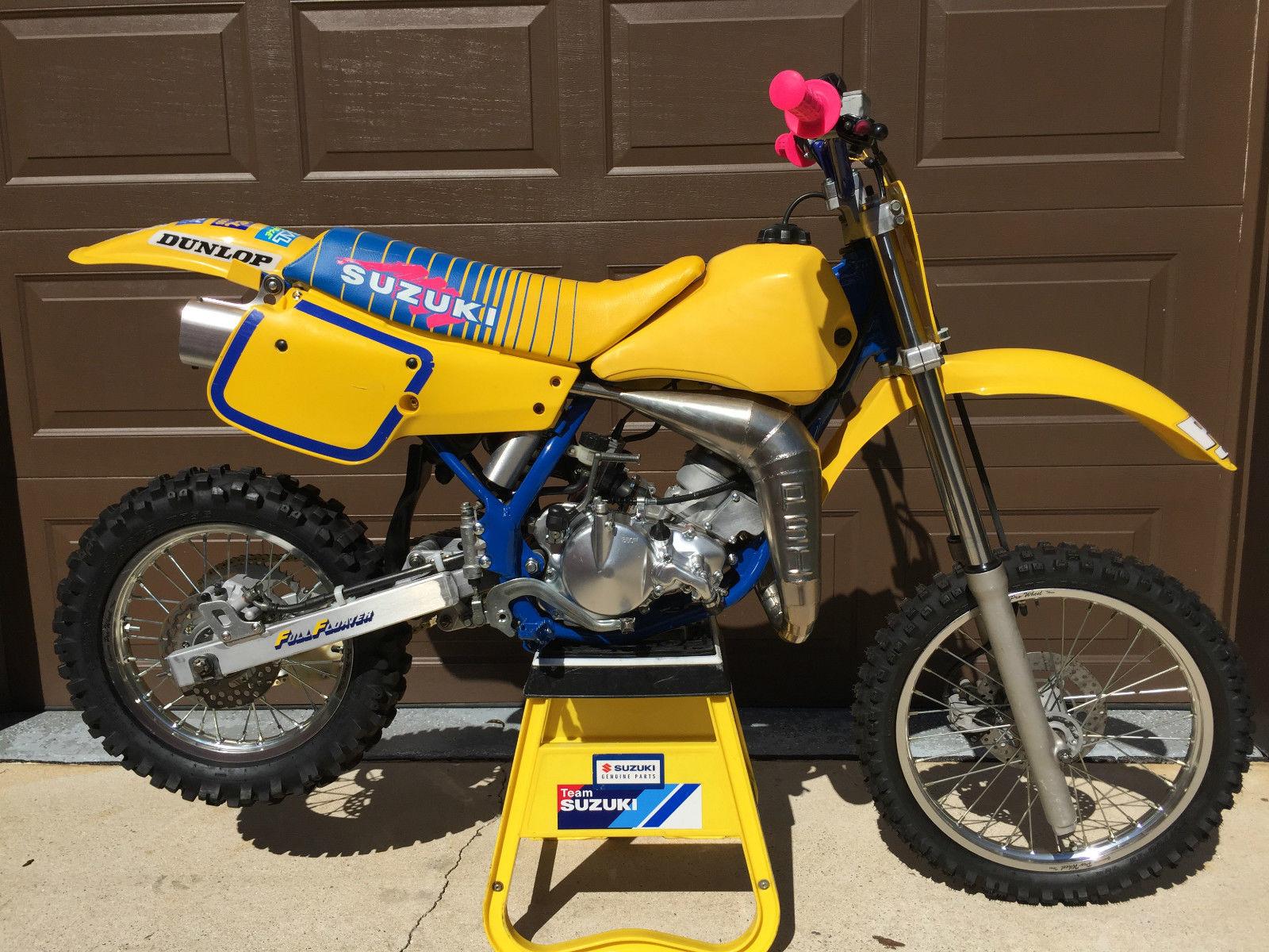 Vintage dirt bikes suzuki
