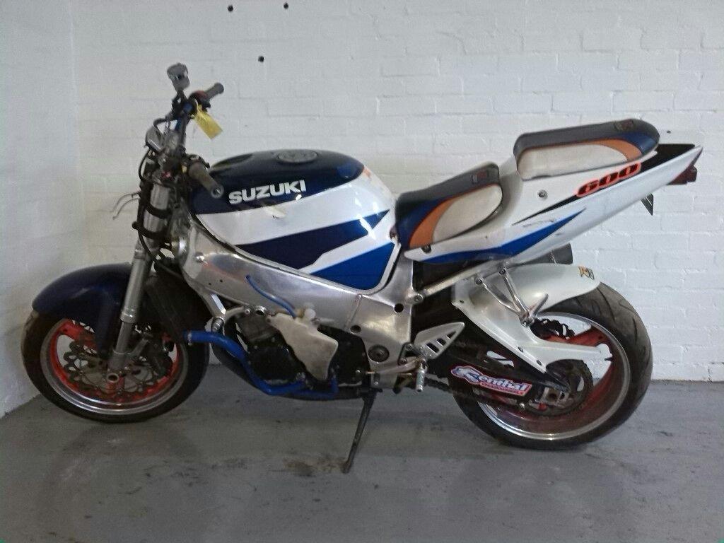 Suzuki srad 750 97