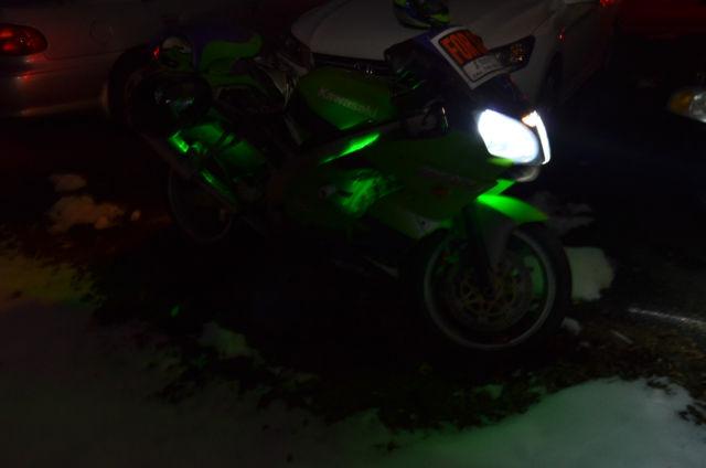 2000 Kawasaki Ninja Zx 9r Sportbike With 2 Helmets Jacket