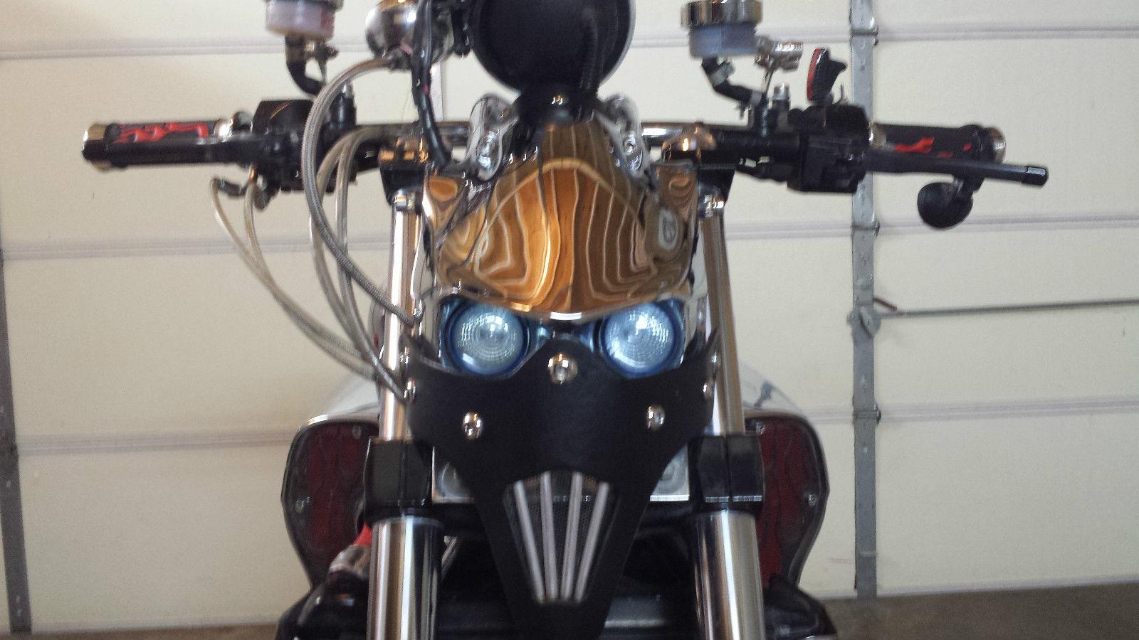 2000 Yamaha VMAX (Highly Modified)