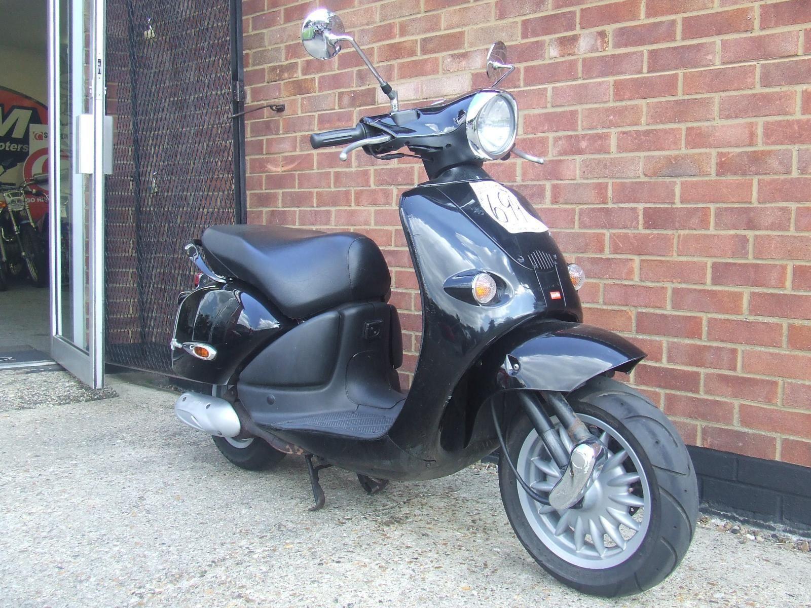 2001 aprilia habana 49cc scooter black. Black Bedroom Furniture Sets. Home Design Ideas
