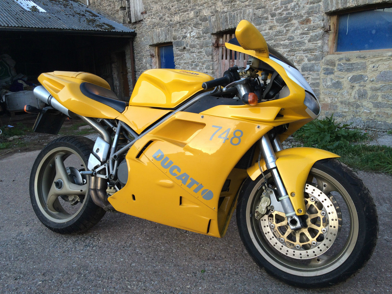 2001 ducati 748 biposto yellow clean tidy bike. Black Bedroom Furniture Sets. Home Design Ideas