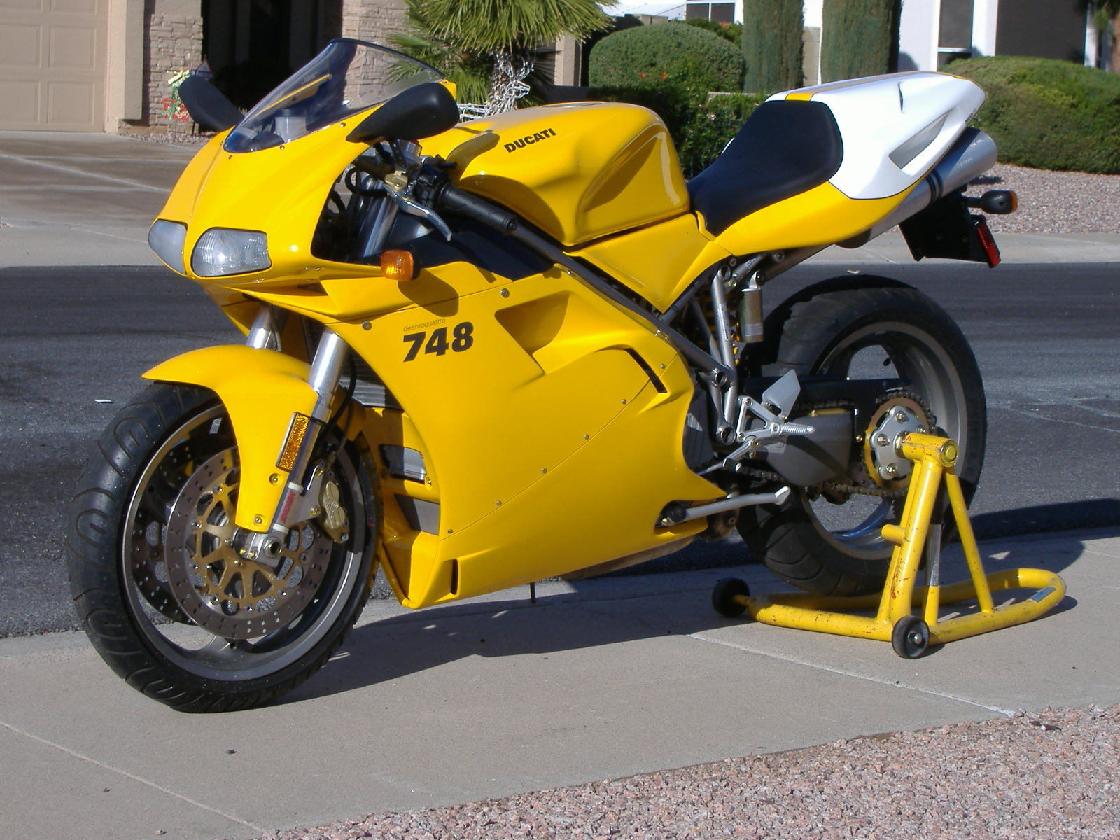 2001 ducati 748 monoposto brand new only 61 miles still have crate. Black Bedroom Furniture Sets. Home Design Ideas