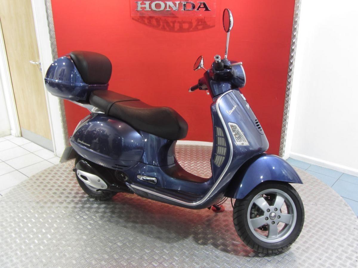 2003 39 03 39 piaggio vespa gt200 retro scooter gt 200. Black Bedroom Furniture Sets. Home Design Ideas