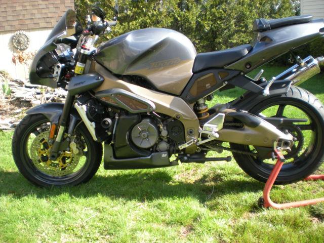 2003 Aprilia Tuono RSV 1000cc V Twin Naked Sport Bike Mint