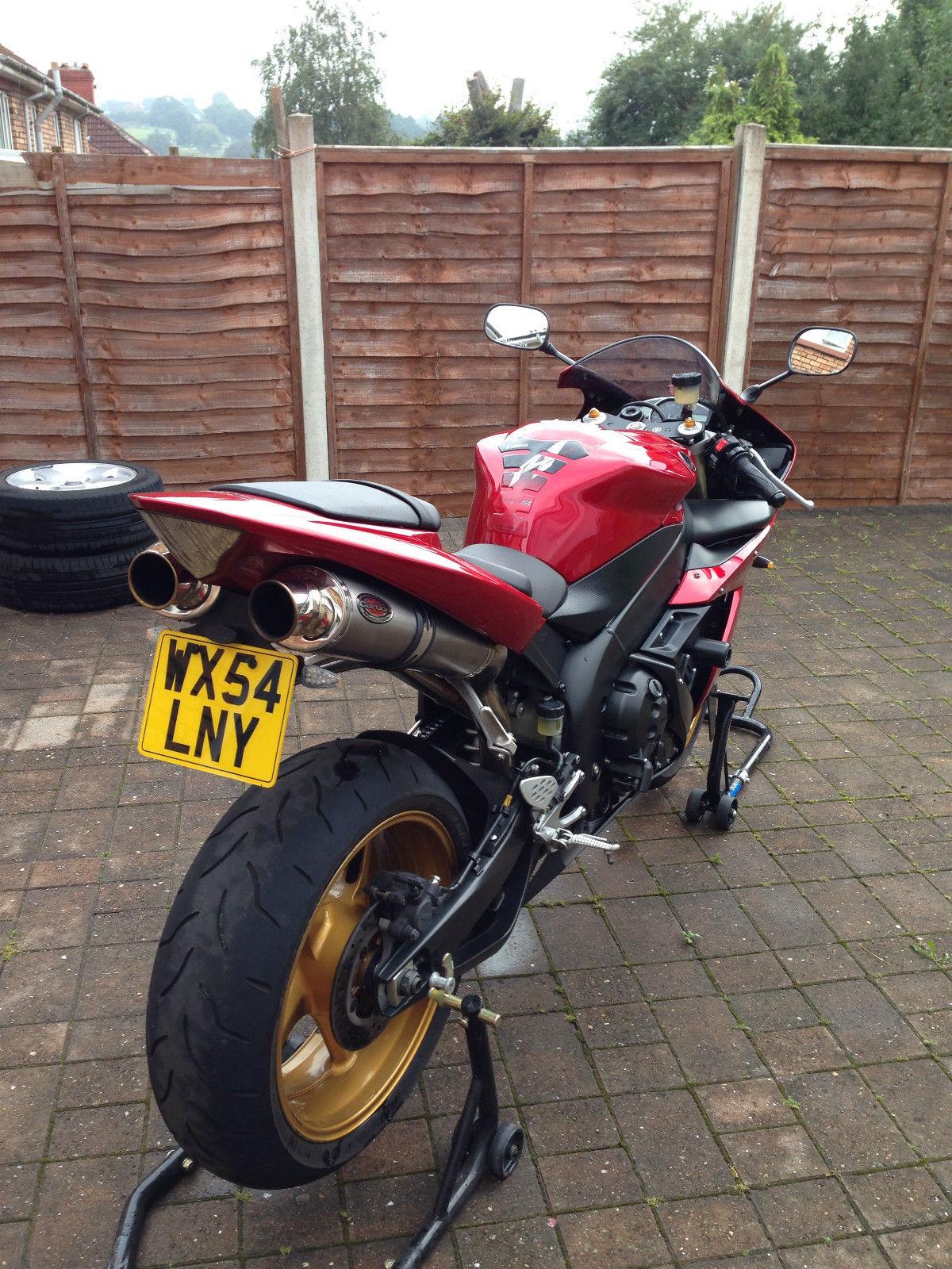 2004 Yamaha Yzf R1 04 Red