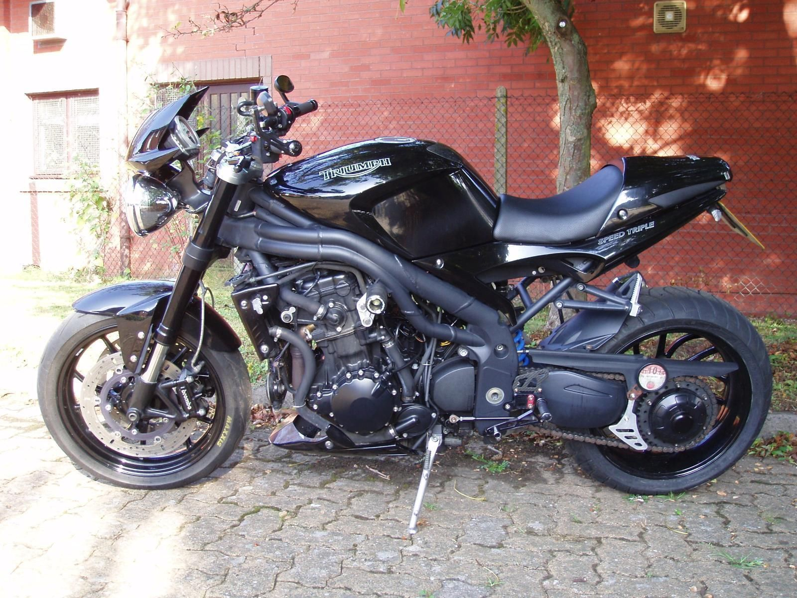 2005 05 triumph speed triple 1050cc naked black. Black Bedroom Furniture Sets. Home Design Ideas