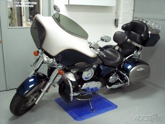 2005 Kawasaki Vulcan 1600 Nomad Blue Silver Fairing Hard Side Cases