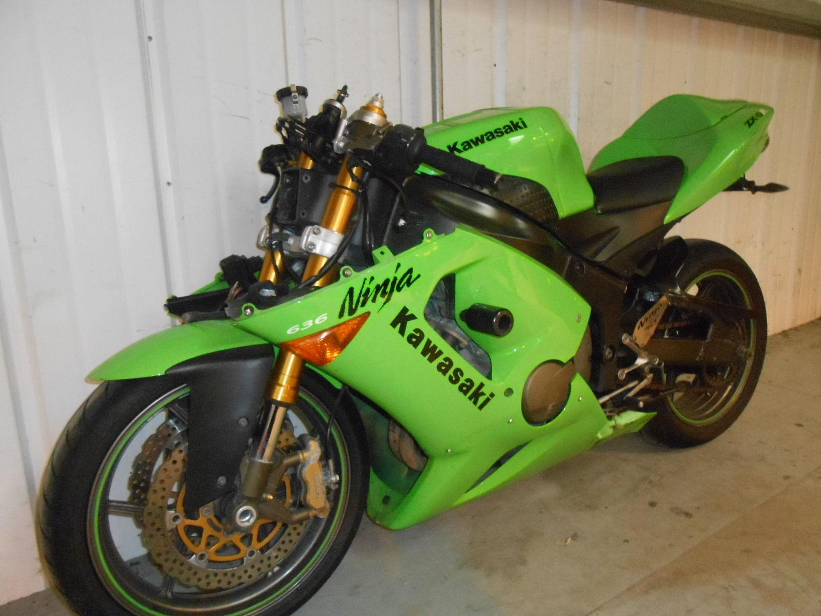 2005 Kawasaki Zx 636 C1h Zx6r Ninja Damaged Spares Or Repair No