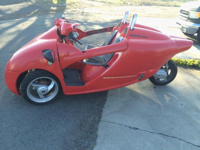 2005 suntrike three wheel motorcycle reverse trike like a t rex scooter. Black Bedroom Furniture Sets. Home Design Ideas