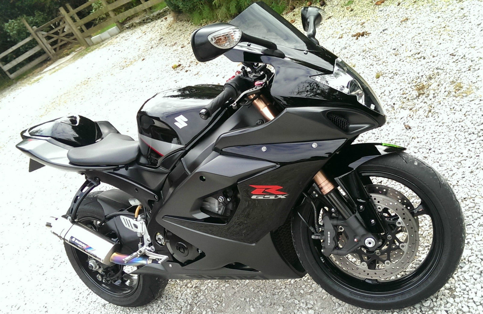 2006 suzuki gsxr 1000 k6 stealth black stunning no px swap. Black Bedroom Furniture Sets. Home Design Ideas