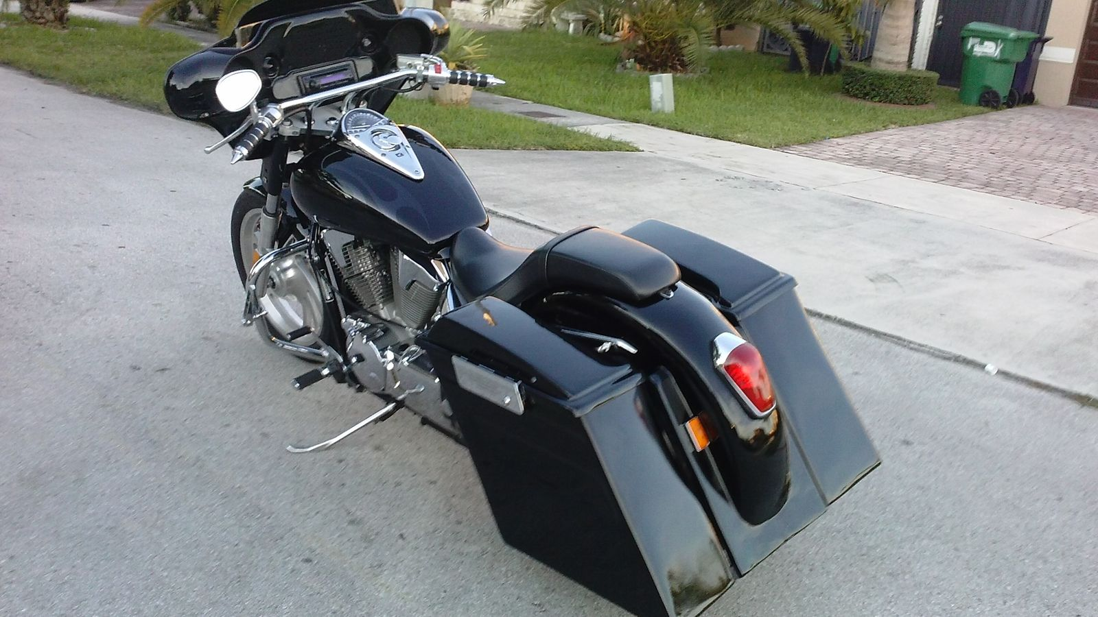 Motorcycle Dealers Near Merrillville In together with Vtx Led Light Jackets moreover 2007 Honda Vtx1300r Retro Ready To Ride 294438 furthermore Ch ion Hard Bags together with Whaletail And Standard Tank Bib Listing. on 2005 honda vtx 1800c