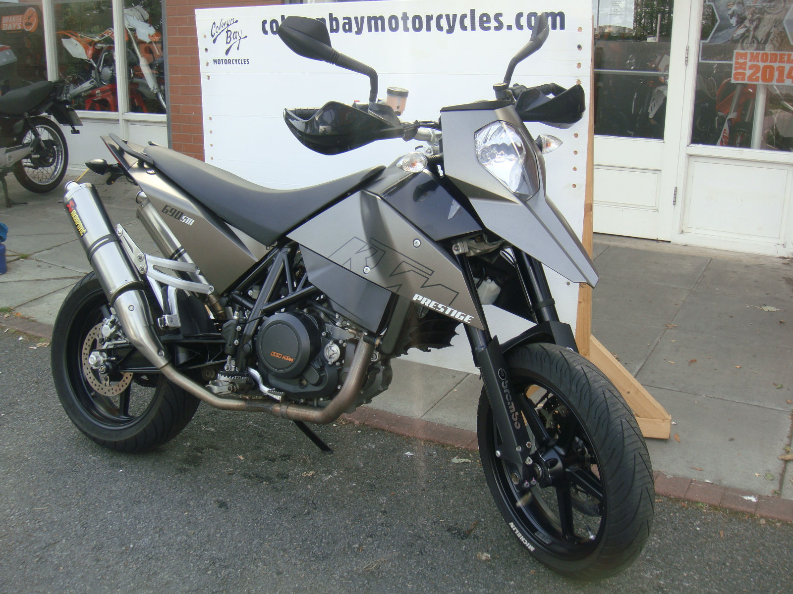 2007 ktm 690 lc4 supermoto sm duke akrapovic motorcycle. Black Bedroom Furniture Sets. Home Design Ideas