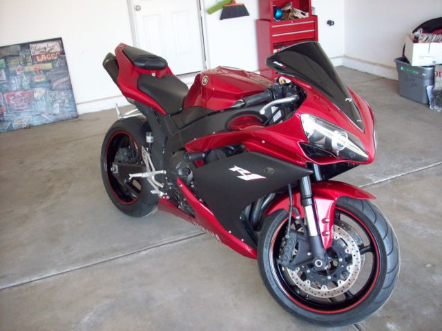 2007 Yamaha YZF R1 - Many Extras - Great Condition - Motocycle / Sportbike