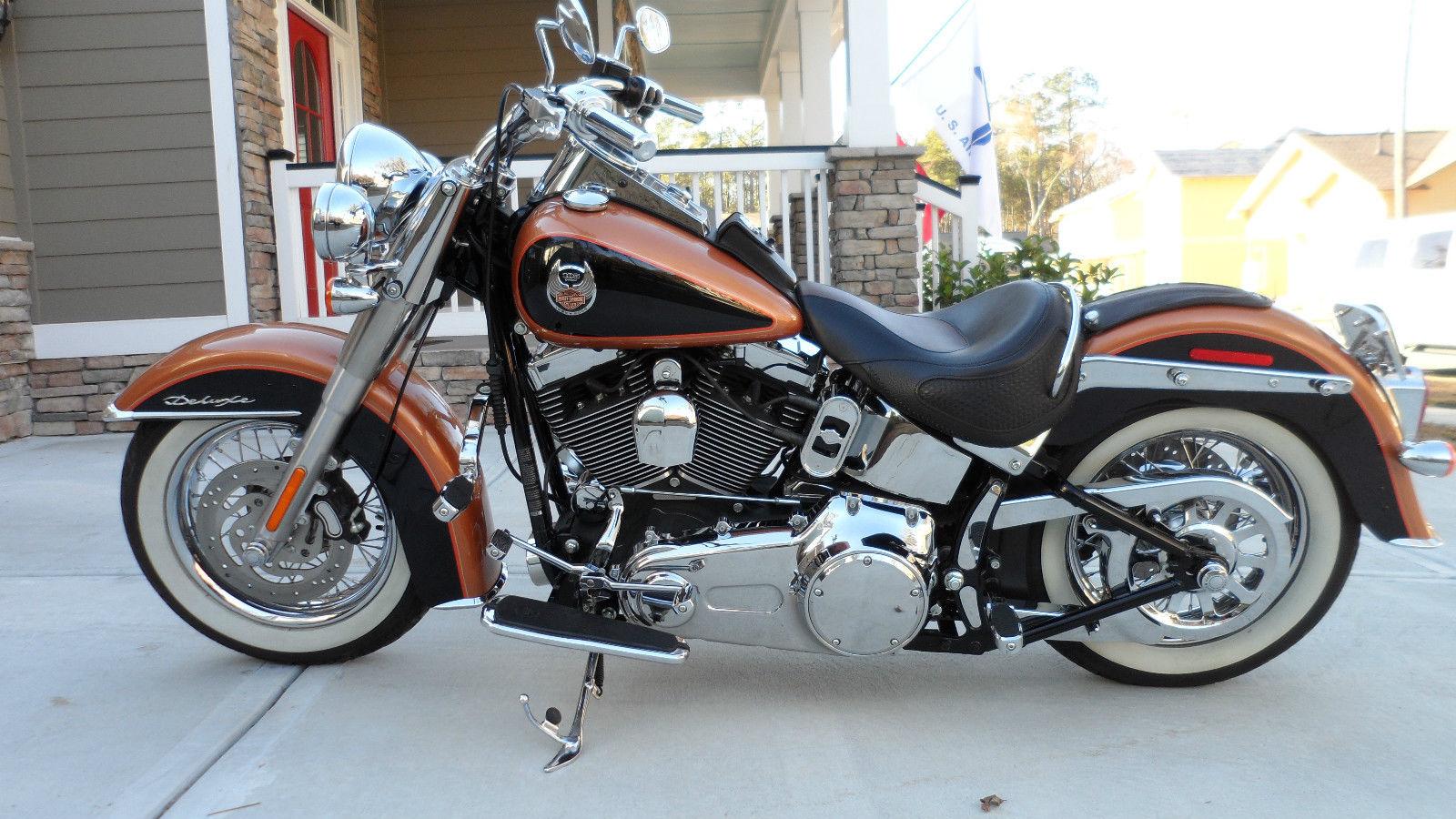 2008 105th Anniversary Harley Davidson Softail Deluxe Flstn