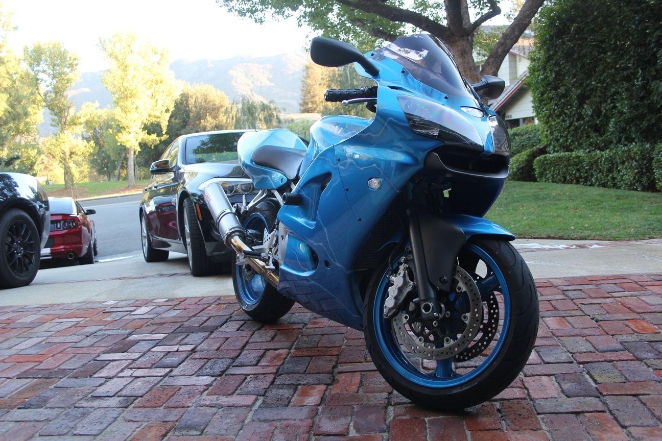 2008 blue kawasaki zzr 600 called zx6r ninja 600 not a for Yamaha honda kawasaki