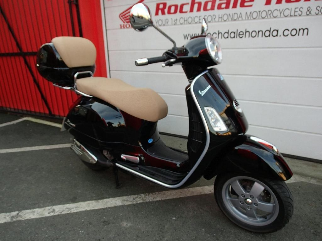 2009 vespa gts 250cc scooter. Black Bedroom Furniture Sets. Home Design Ideas