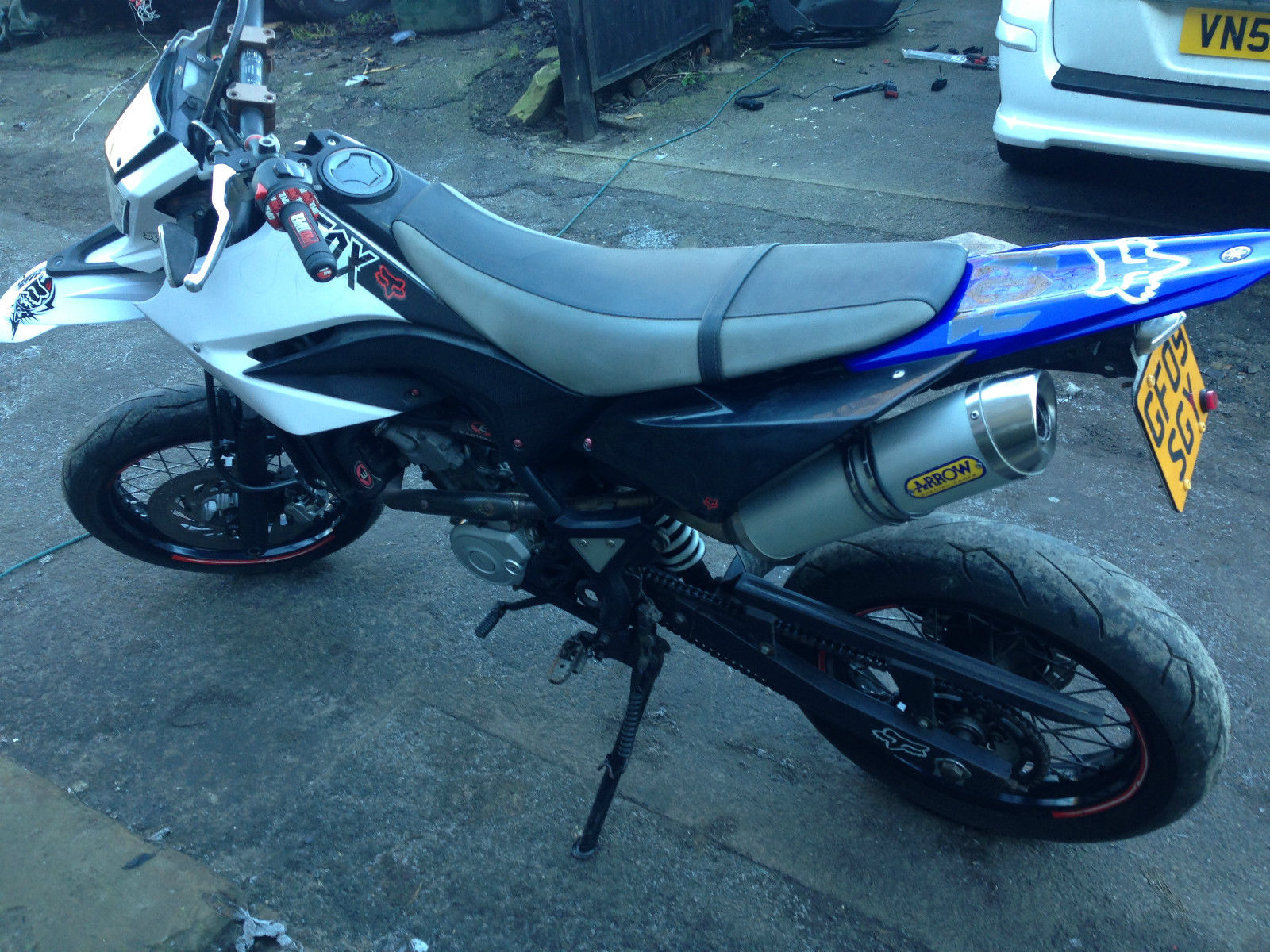 2009 yamaha wr 125 x supermoto white 12 months mot. Black Bedroom Furniture Sets. Home Design Ideas