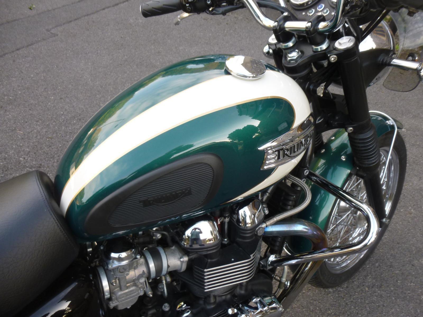 2010 10 Triumph Bonneville T100 Efi Only 1331 Miles