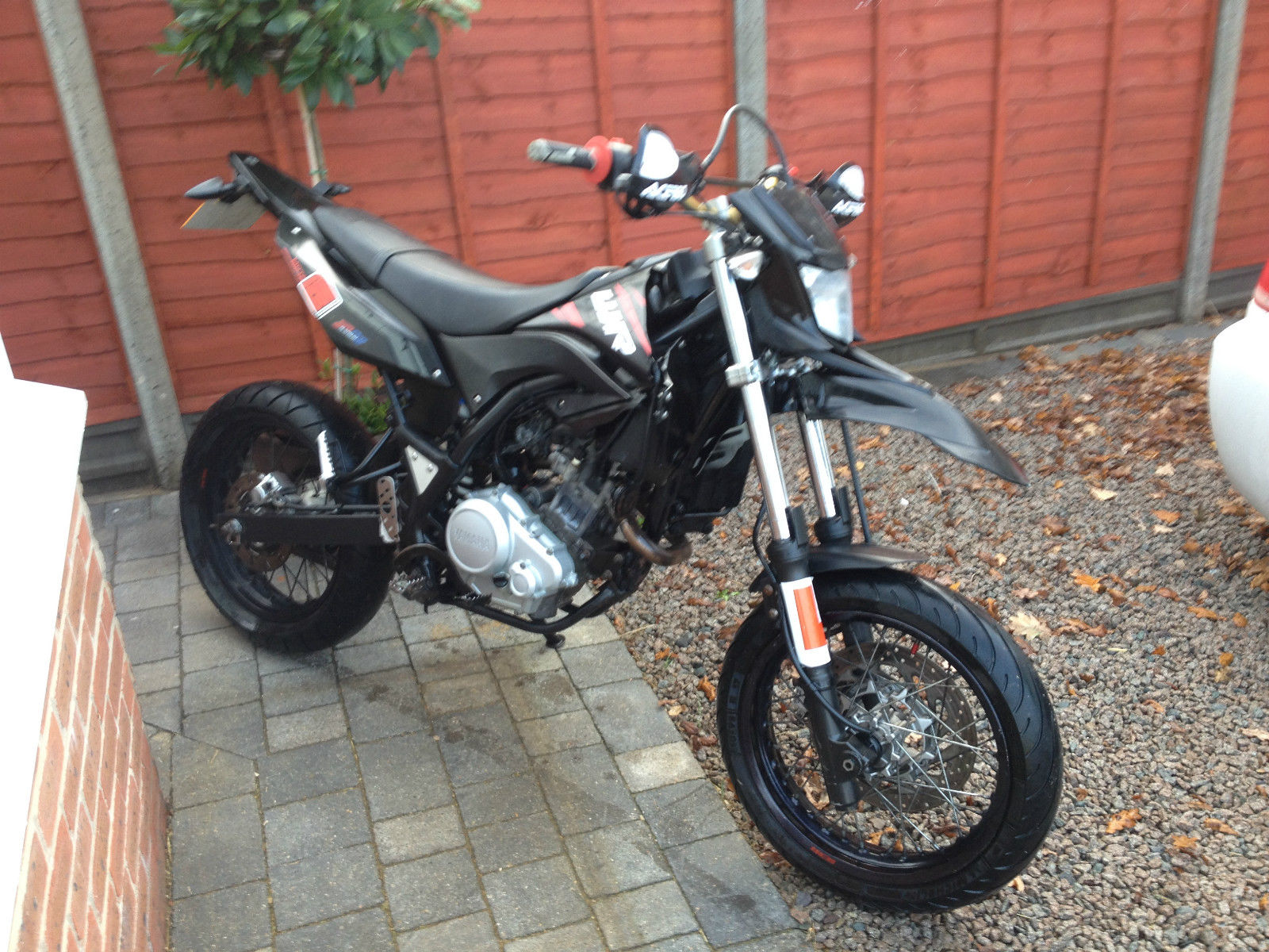 2010 yamaha wr 125 supermoto excellent condition. Black Bedroom Furniture Sets. Home Design Ideas