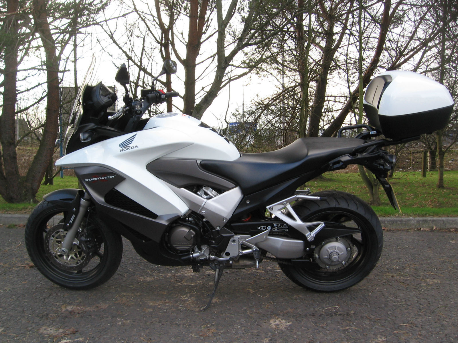 2011 61 honda vfr800x crossrunner low miles. Black Bedroom Furniture Sets. Home Design Ideas