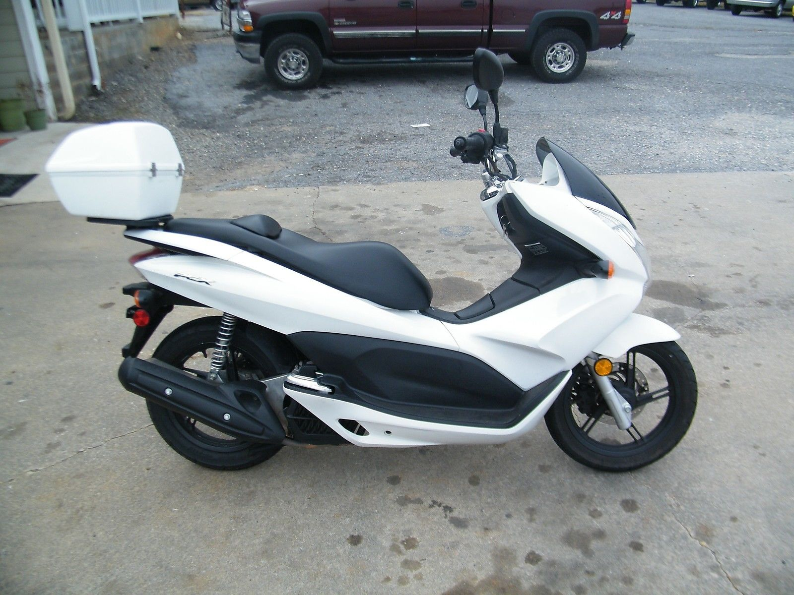 2011 honda pcx 125 scooter specs. Black Bedroom Furniture Sets. Home Design Ideas