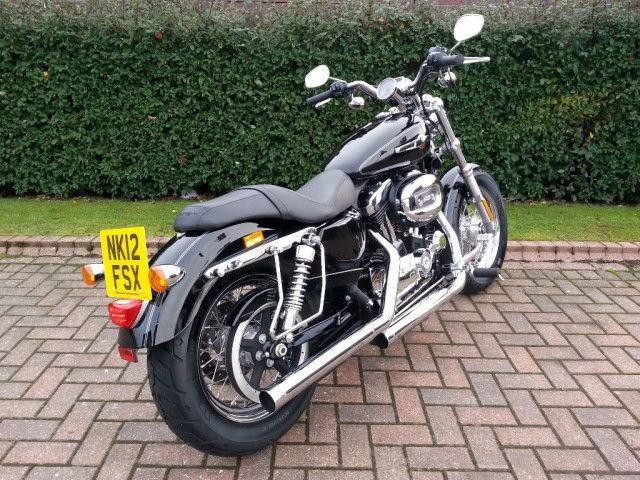 2012 12 Harley-Davidson XL 1200 CUSTOM SPORTSTER Black