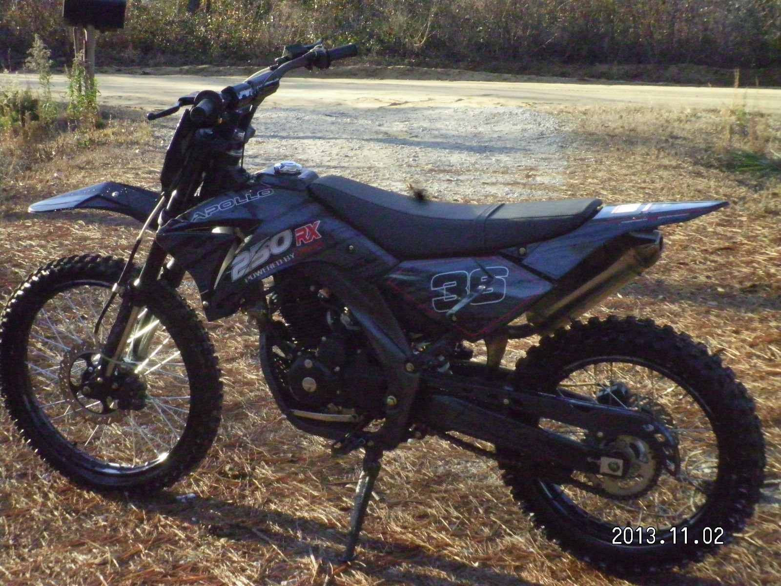 2012 250cc black red apollo dirt bike in good running condition. Black Bedroom Furniture Sets. Home Design Ideas