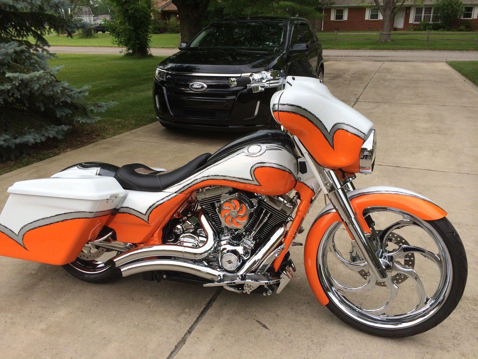 2012 Harley Davidson Street Glide -23