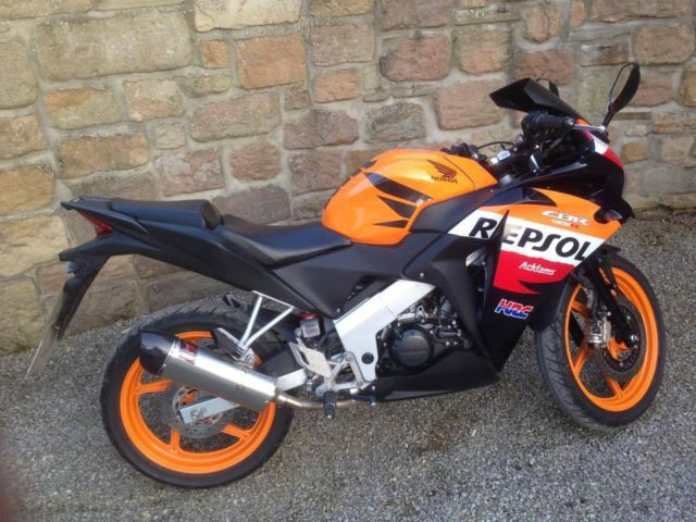 2012 honda cbr 125cc r repsol sports 6500 miles 1 previous. Black Bedroom Furniture Sets. Home Design Ideas