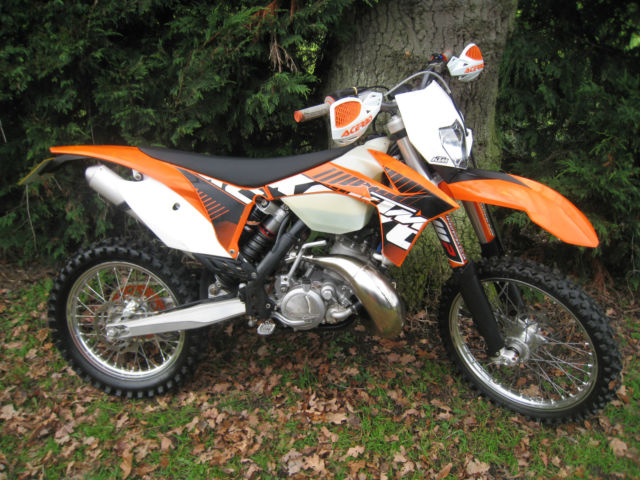 2012 ktm exc 200 enduro trail cross country green lane off road bike. Black Bedroom Furniture Sets. Home Design Ideas