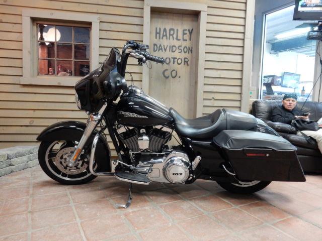 Harley Davidson Street Glide: 2013 Harley Davidson FLHX Street Glide