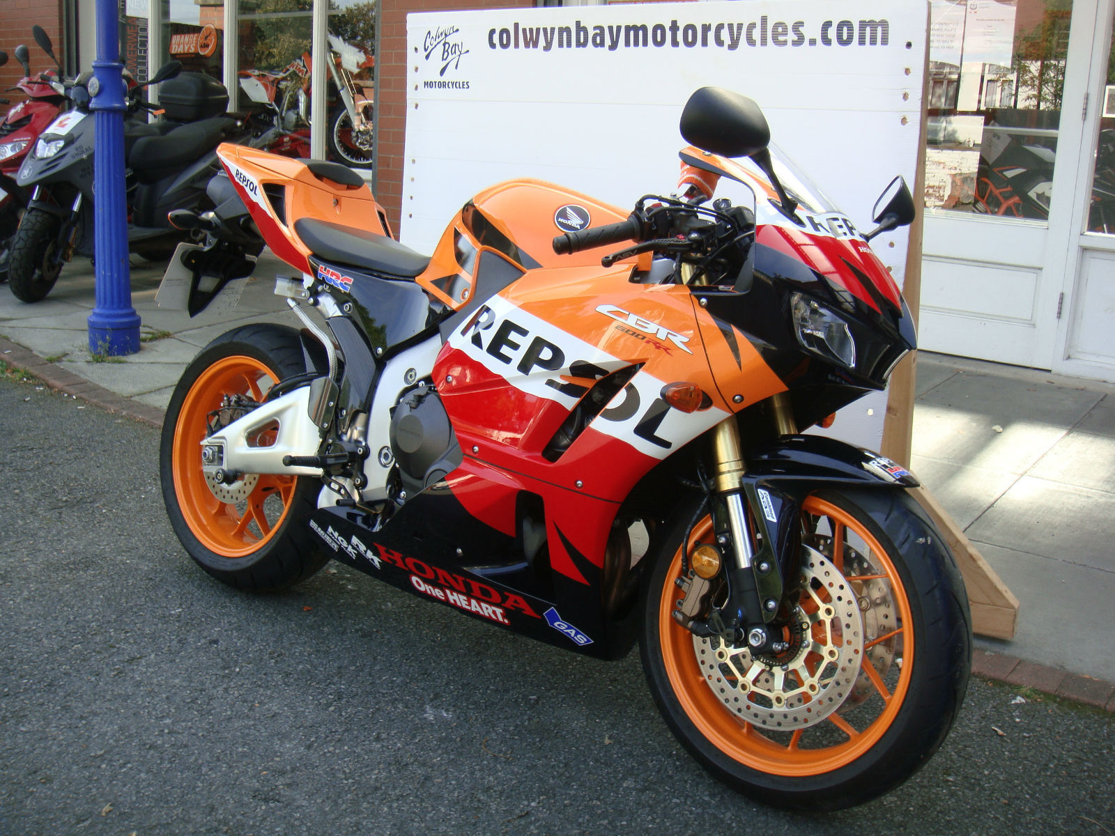 2013 honda cbr 600rr abs repsol akrapovic one owner 1368. Black Bedroom Furniture Sets. Home Design Ideas