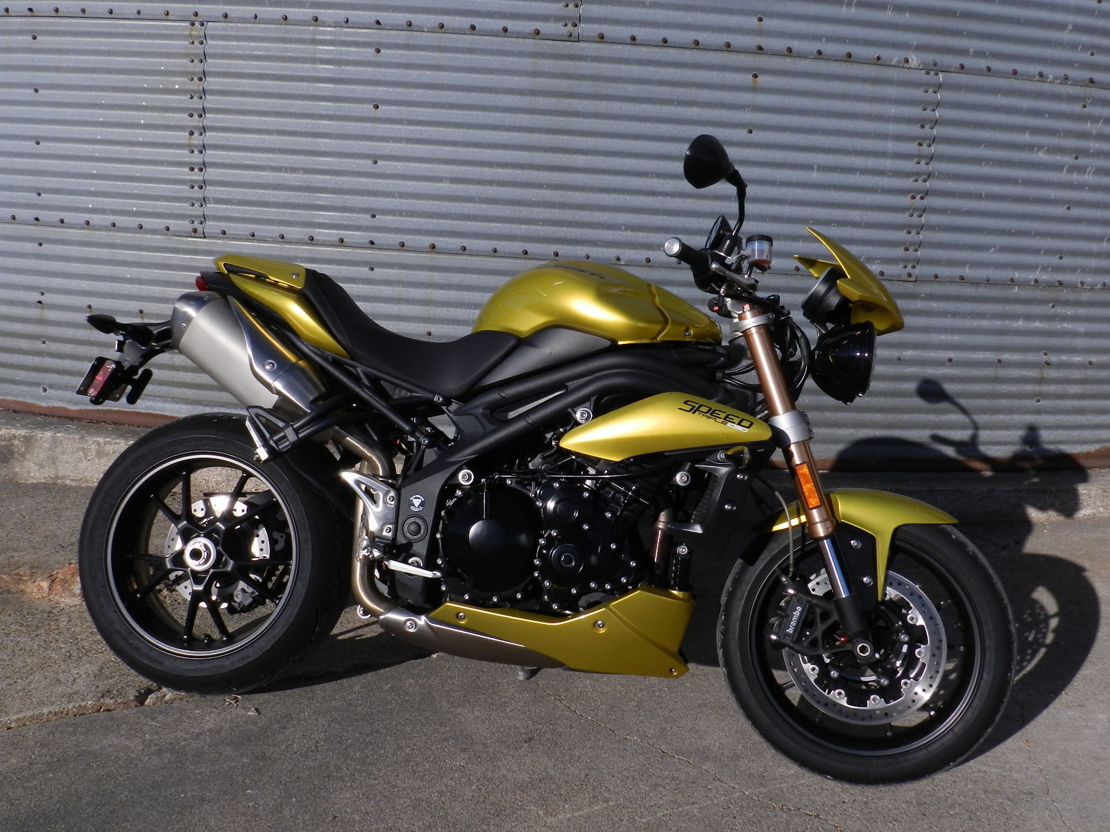 2013 triumph speed triple sulphur yellow. Black Bedroom Furniture Sets. Home Design Ideas