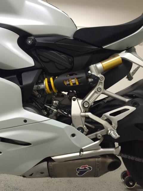 Ducati Superbike  Arctic White Silk Price