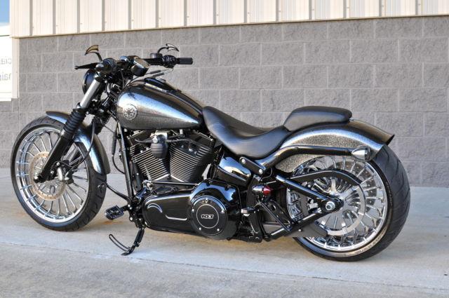 Harley Davidson Breakout Custom Color