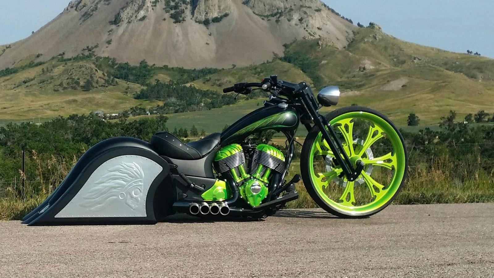 Gauge all american biker babes - 4 7
