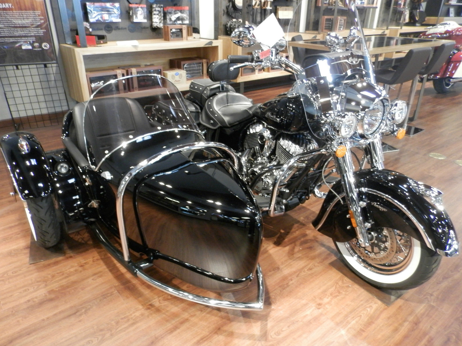 2014 Indian Chief Vintage Motorcycle With Hydraulic Sidecar Black Leather