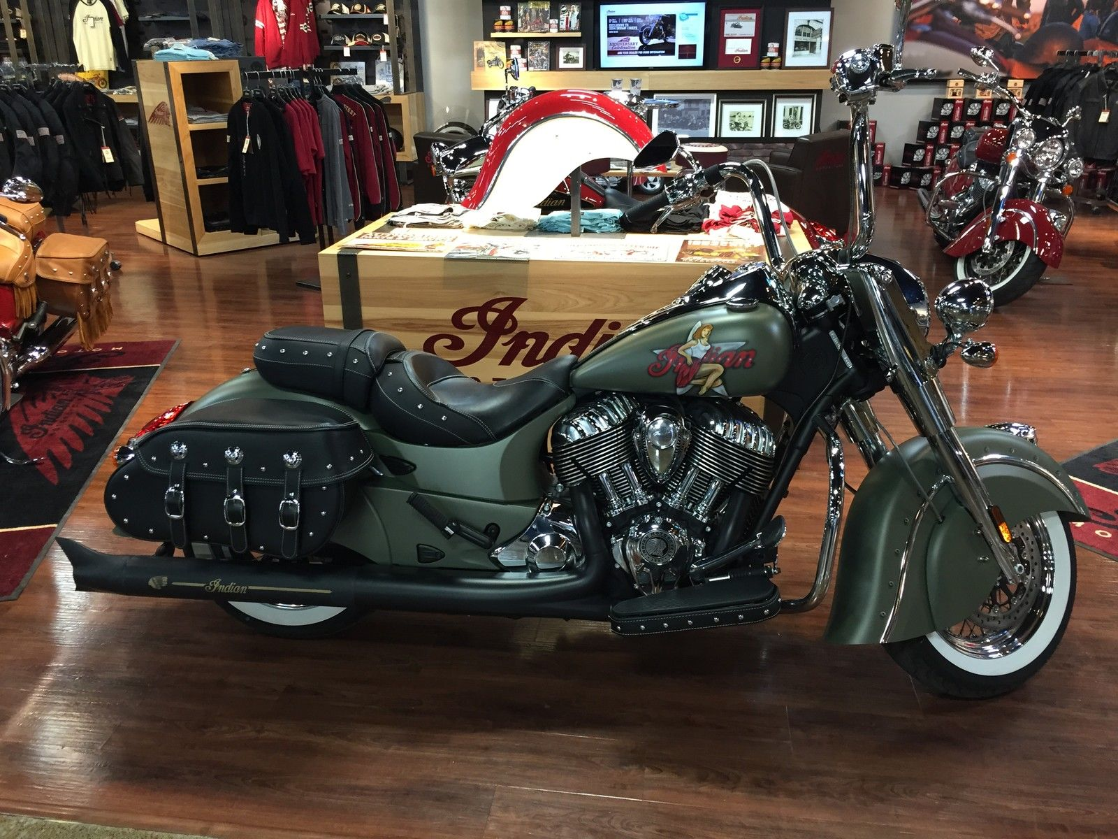 2014 indian chief vintage with dealer installed custom paint. Black Bedroom Furniture Sets. Home Design Ideas