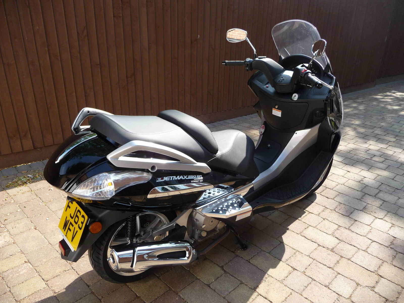 white knuckle cf    black jetmax scooter