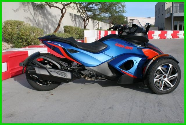 2015 can am spyder rs s only 5 miles. Black Bedroom Furniture Sets. Home Design Ideas