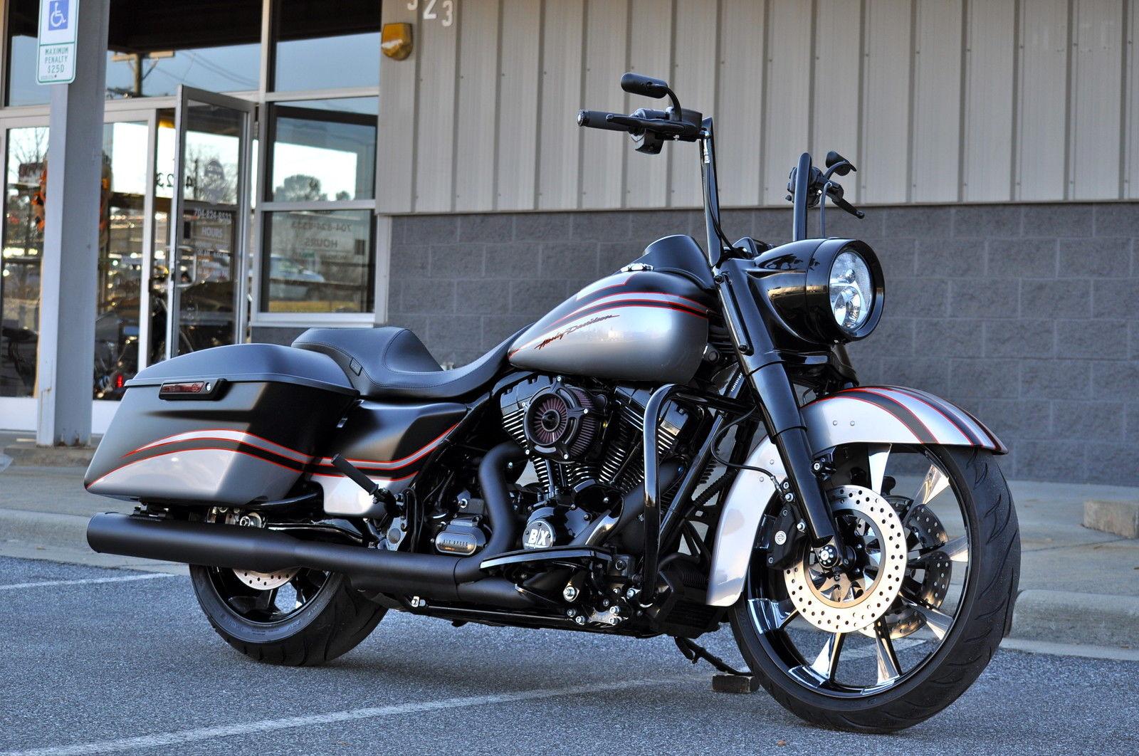 Harley Davidson: 2015 ROAD KING CUSTOM A.B.S. **MINT** $15,000.00 IN XTRA'S
