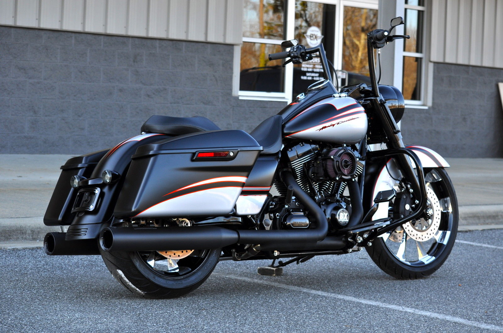 2015 road king custom a b s mint 15 in xtra 39 s only 925 miles. Black Bedroom Furniture Sets. Home Design Ideas