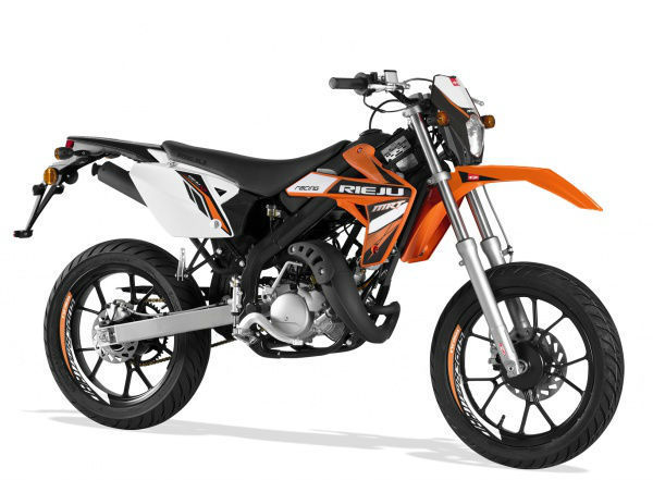 50cc supermoto with yamaha menarelli am6 motor rieju mrt. Black Bedroom Furniture Sets. Home Design Ideas