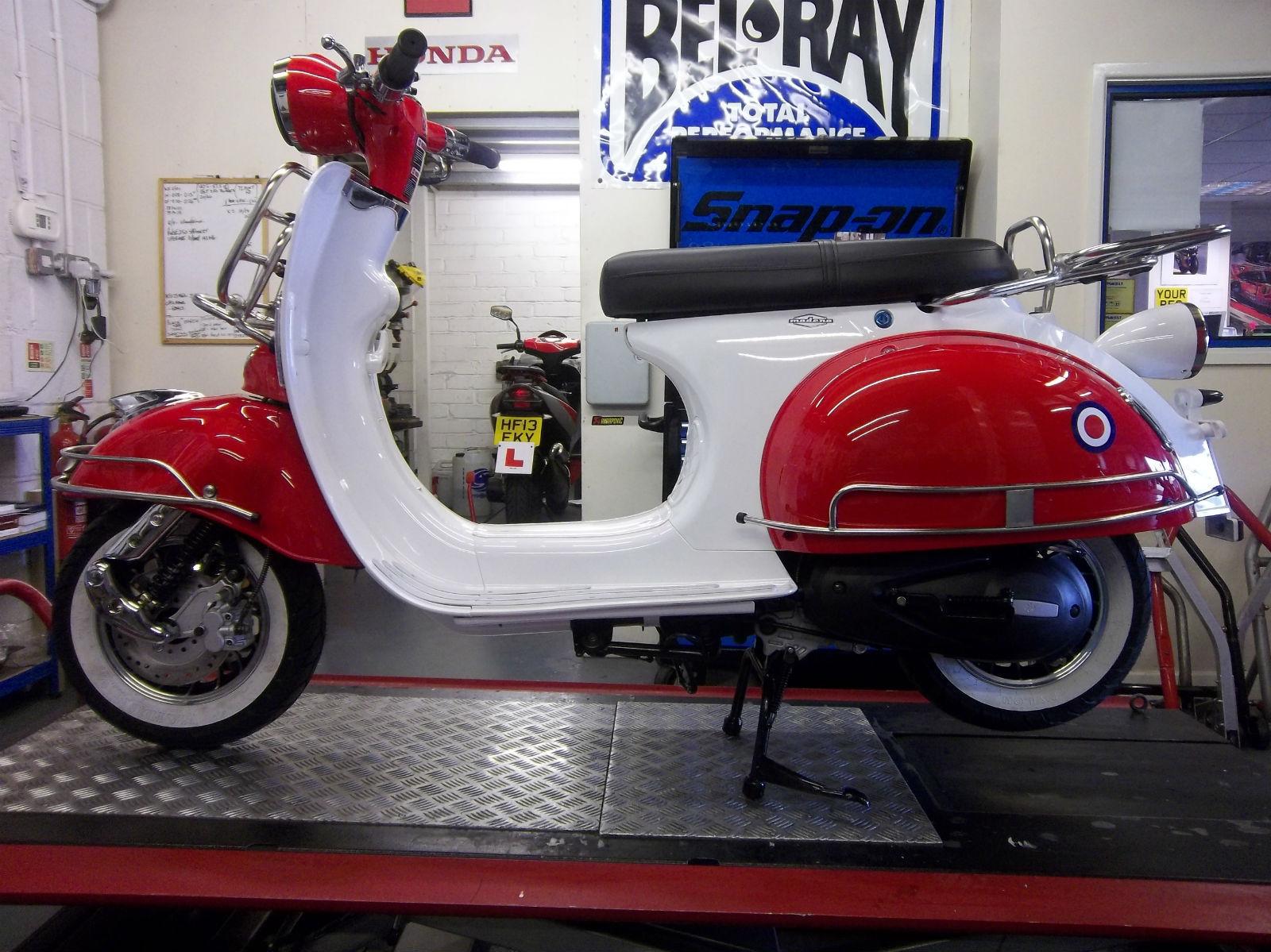 ajs modena 50 cc scooter 1950 39 s vespa shape mod moped. Black Bedroom Furniture Sets. Home Design Ideas
