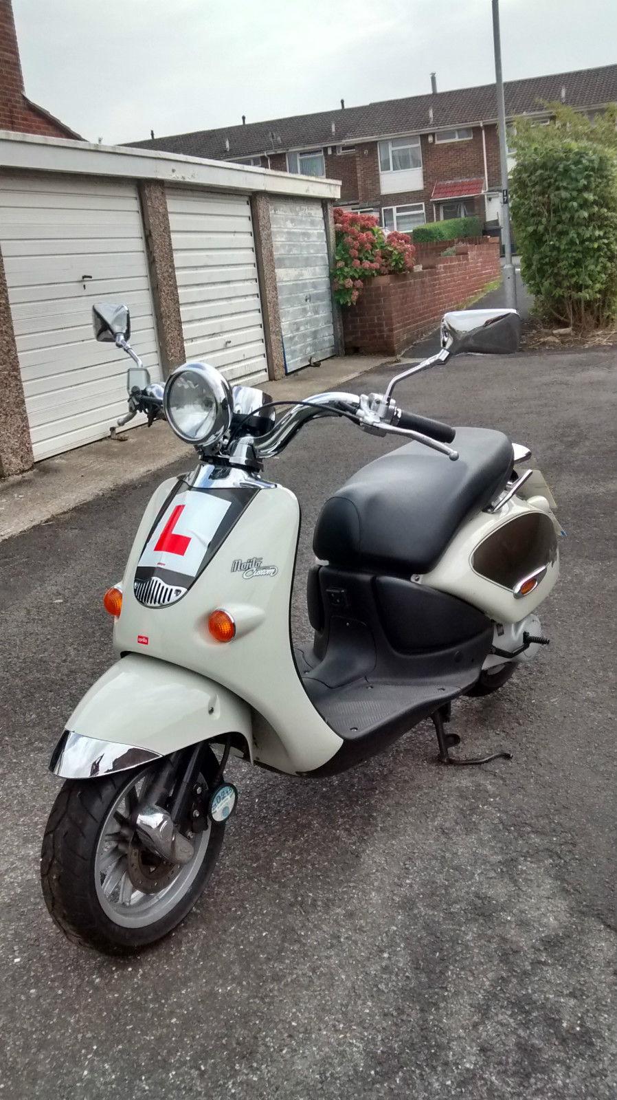 aprilia mojito 50 custom scooter. Black Bedroom Furniture Sets. Home Design Ideas